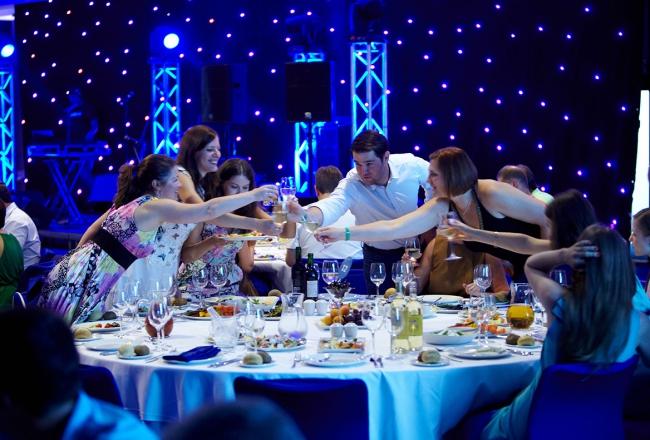 Фотограф Михаил Смирнов +7 (926) 212-33-66 Москва,профессиональный фотограф на свадьбу, репортаж. Яркие свадебные фотографии. - Репортажная съемка - БАНКЕТЫ